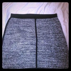 Ann Taylor Grey/black skirt